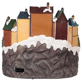 Village Noël ville et train mouvement lumière musique 40x40x35 cm s5