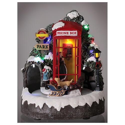 Cabine téléphonique anglaise famille carrosse lumières musique 20x20x20 cm 2
