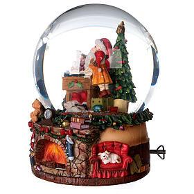 Sfera di vetro neve con Babbo Natale e giocattoli 15 cm s2