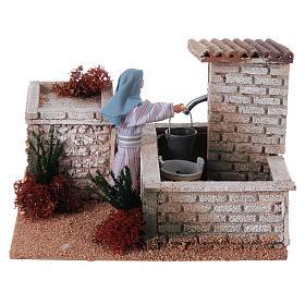 Kobieta przy fontannie szopka 12 cm ruchoma figurka s1