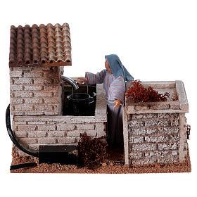 Kobieta przy fontannie szopka 12 cm ruchoma figurka s4