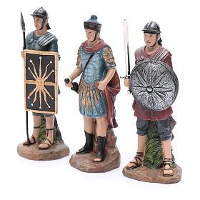 Soldados romanos de resina para belén 20 cm set 3 piezas s2
