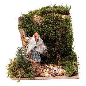 Presépio Moranduzzo: Mulher com lanterna 10 cm movimento Moranduzzo