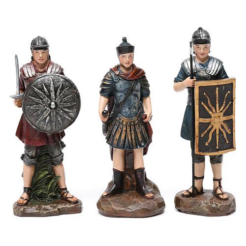 Soldati romani in resina 3 pz per presepe da 13 cm 1
