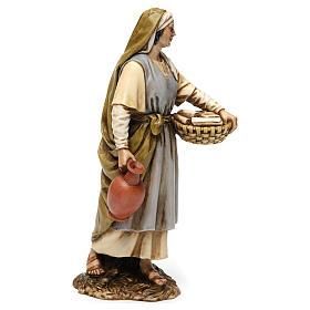 Sage-femme en résine pour crèche 20 cm Moranduzzo s4
