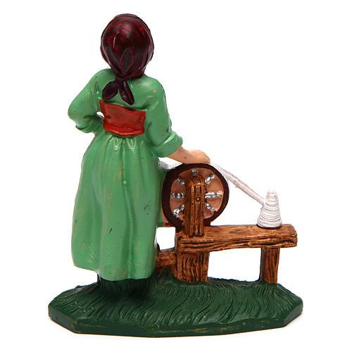 Mujer hiladora para belén 10 cm de altura media 2