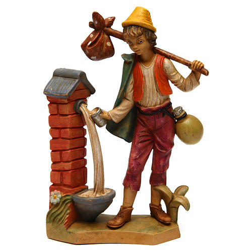 Hombre cerca de la fuente 16 cm de altura media belén 1