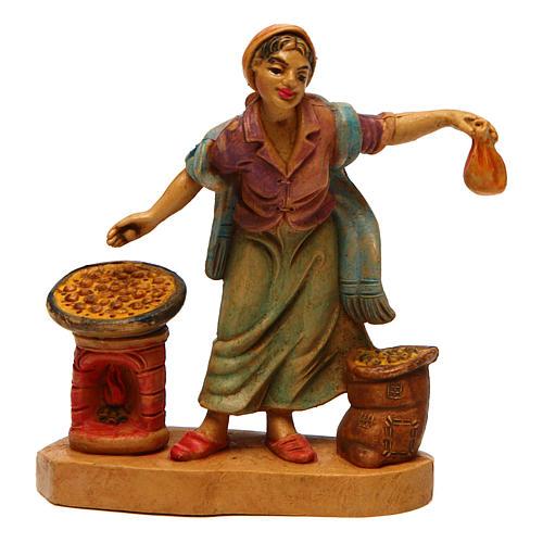 Mujer con castañas para belén de 10 cm de altura media 1