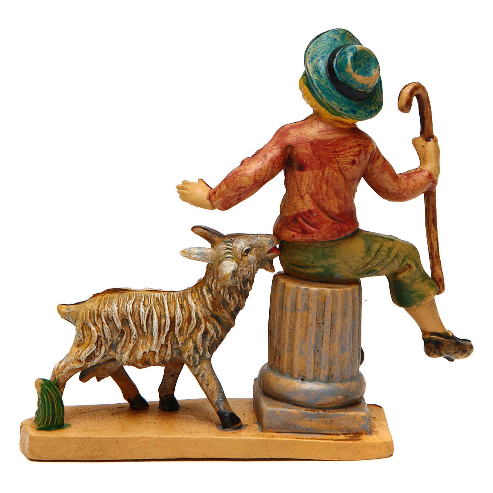 Hombre con oveja para belén de 10 cm de altura 3