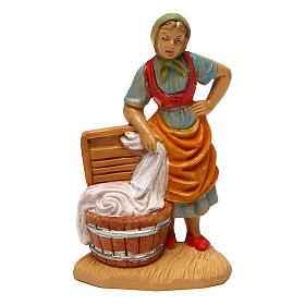 Santons crèche: Femme qui lave son linge 10 cm crèche