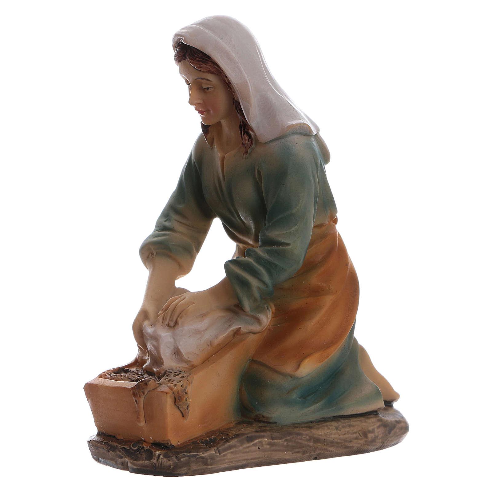 Laundress in resin for Nativity scene 15 cm children's line 3