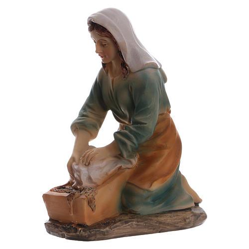 Laundress in resin for Nativity scene 15 cm children's line 2