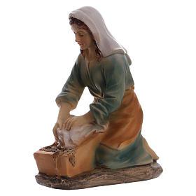 Laundress in resin, for 15 cm kids nativity set s2