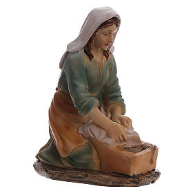 Laundress in resin, for 15 cm kids nativity set s3