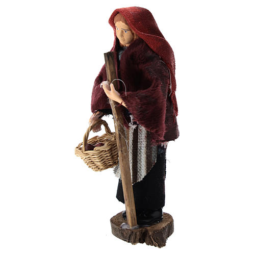 Woman with a basket for Nativity scenes of 12 cm in terracotta and plastic 2