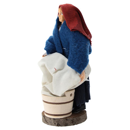 Washerwoman for Nativity scenes of 12 cm in terracotta and plastic 2