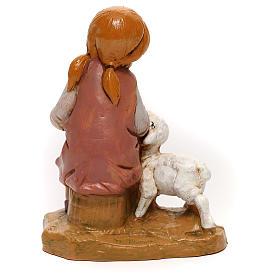 Petite fille avec agneau Fontanini pour crèche de 30 cm s4