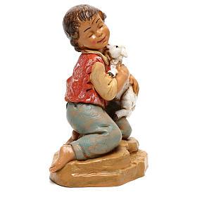 Enfant avec agneau Fontanini pour crèche de 30 cm s3