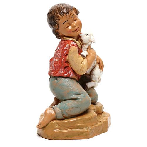Enfant avec agneau Fontanini pour crèche de 30 cm 3