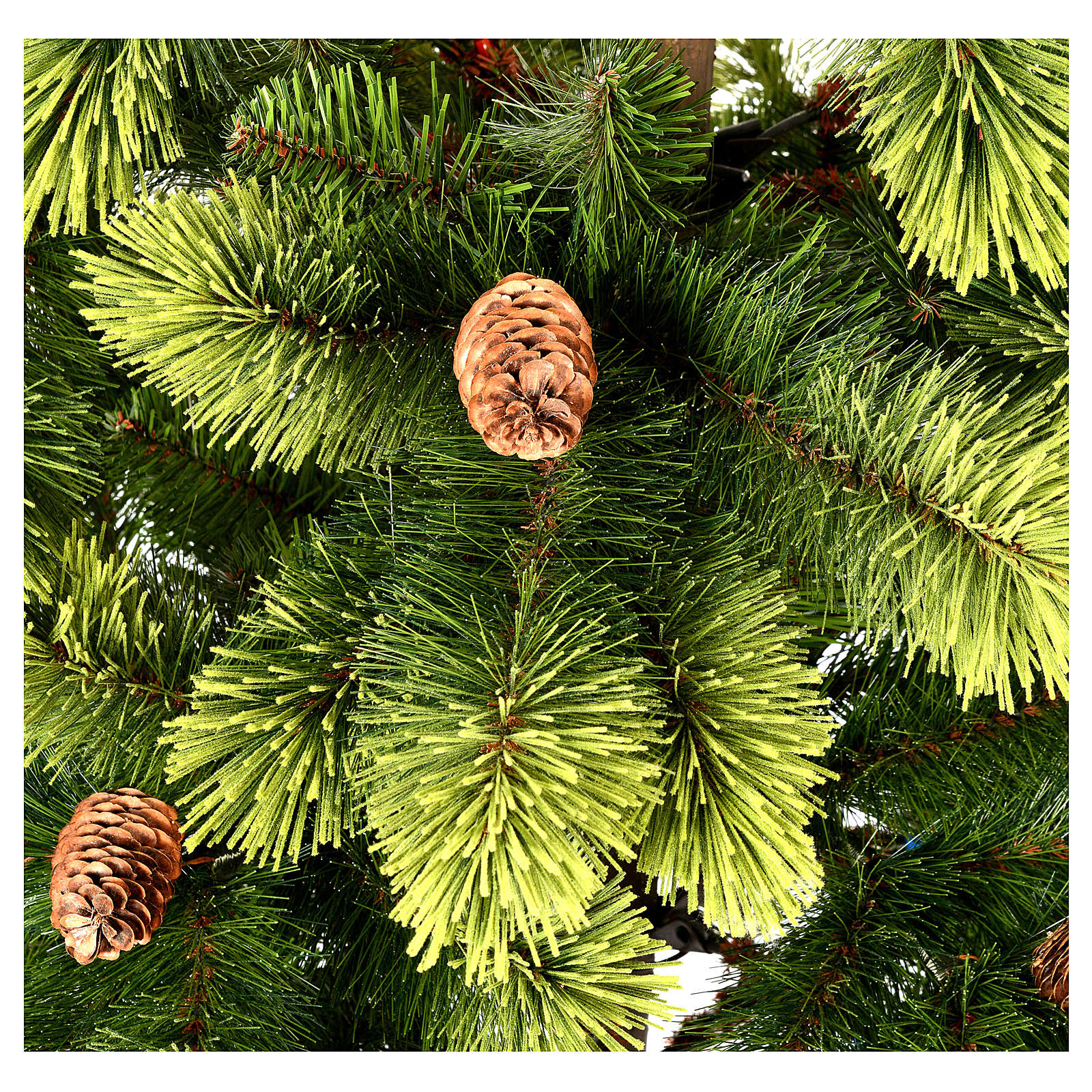Christmas tree 225 cm, green with pine cones Woodland ...