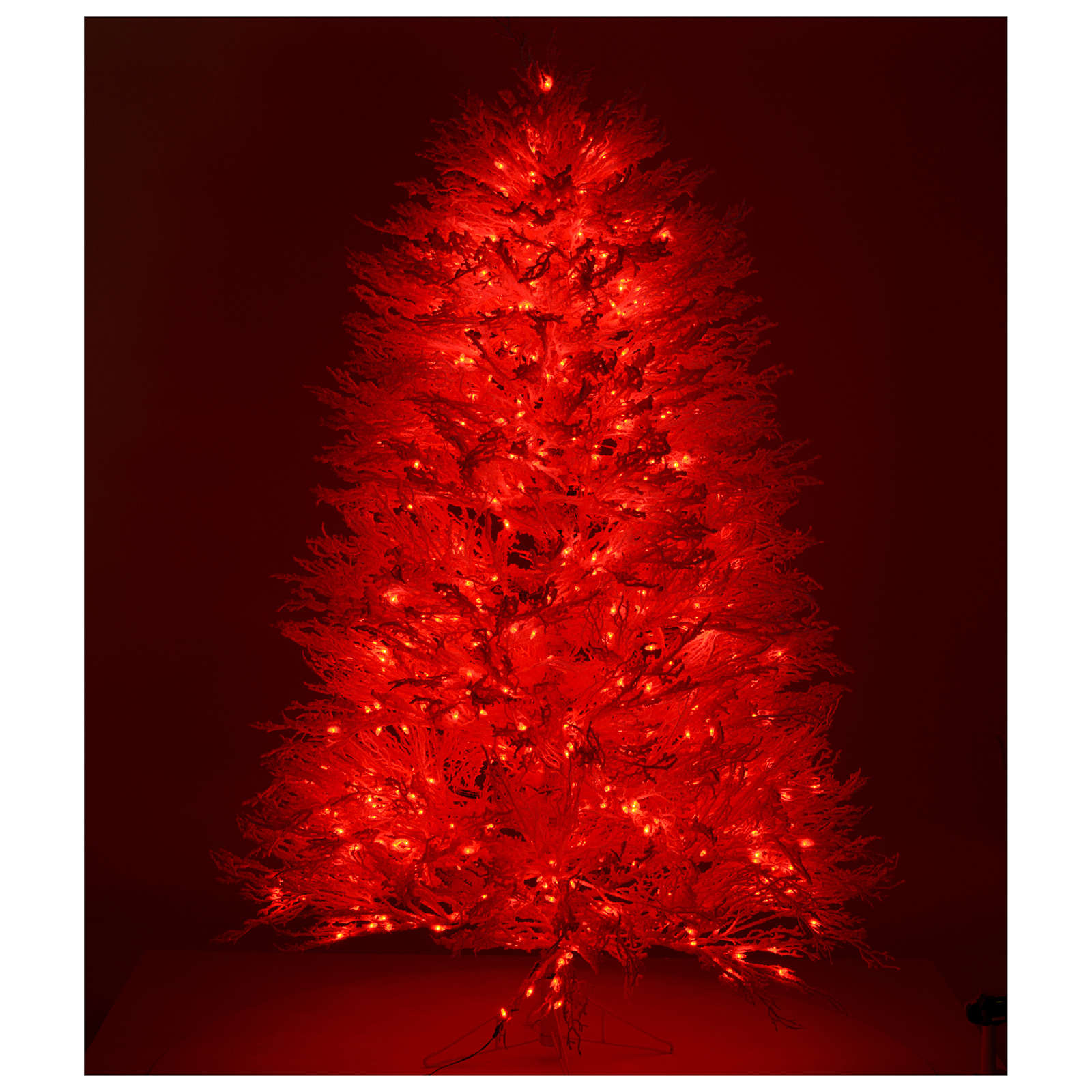 Christmas Tree Snow.Christmas Tree Covered In Snow White 270 Cm Red Lights 700 Leds