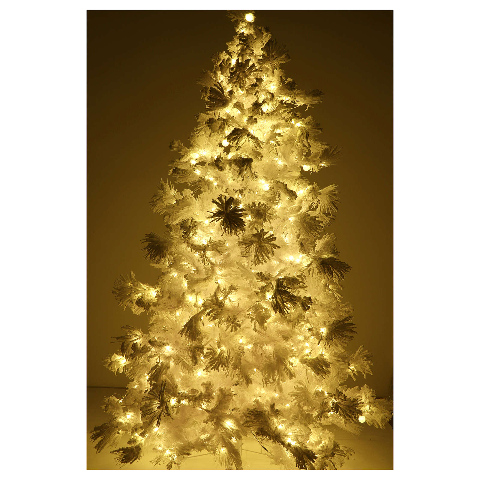 STOCK Christmas tree covered with snow 270 cm with 700 led lights 3