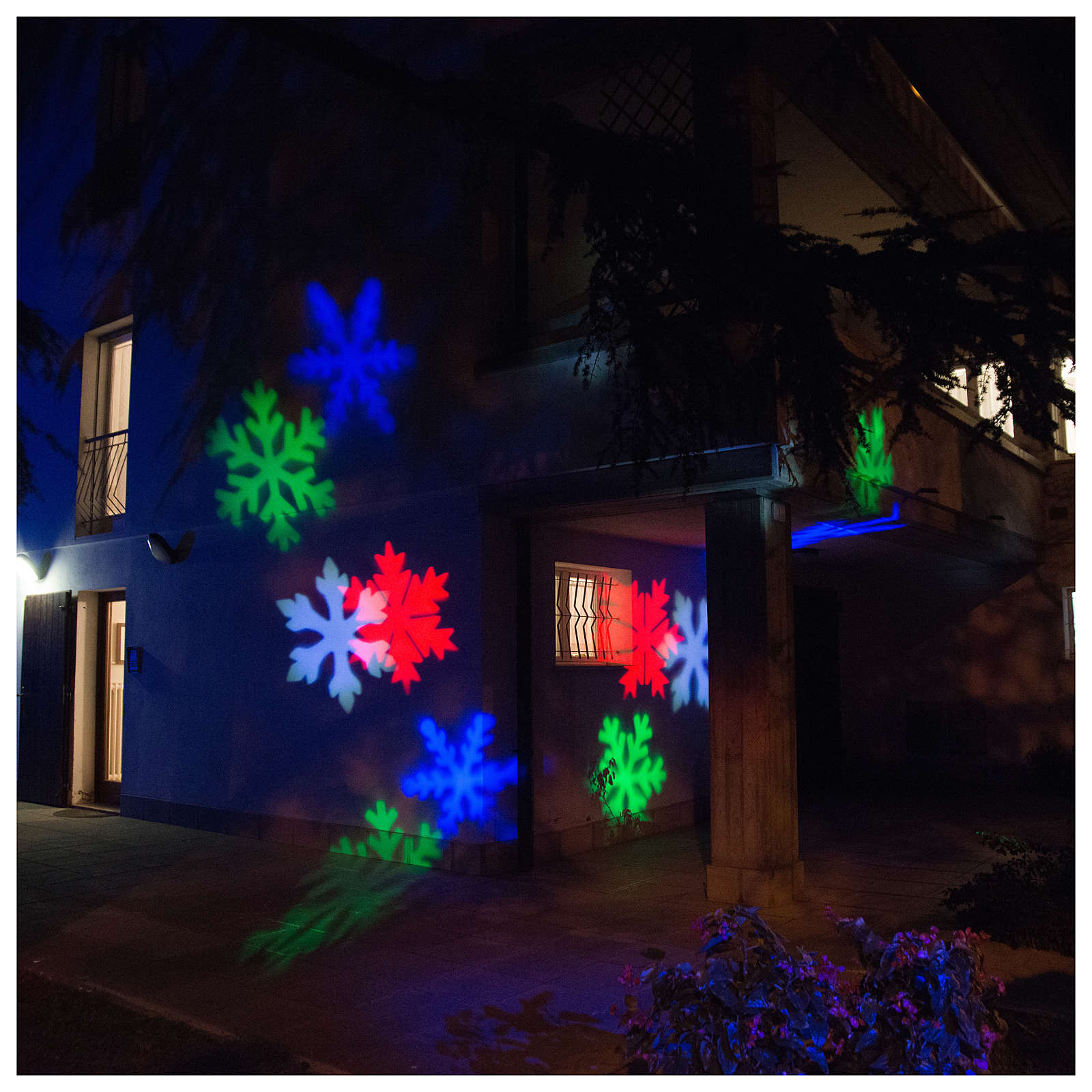 STOCK Christmas projector led snow flakes coloured internal and external use 3