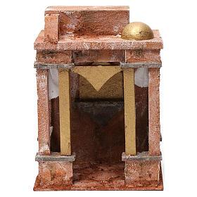 Décor arabe avec petit dôme rideaux sur les côtés et colonnes pour crèche 10 cm 25x15x20 cm s1