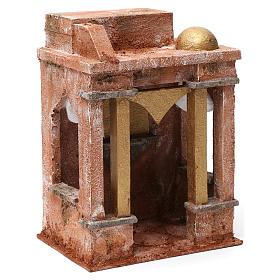 Décor arabe avec petit dôme rideaux sur les côtés et colonnes pour crèche 10 cm 25x15x20 cm s3
