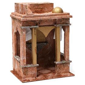 Ambientación árabe con pequeña cúpula cortinas a los lados y columnas para belén 12 cm de altura media 30x20x25 s3