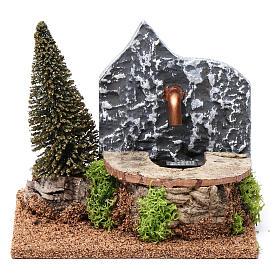 Fontana elettrica in sughero con pino 15X20X15 cm per presepi 9-10 cm s1
