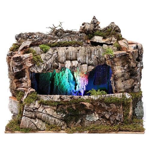Grotta con torrente e gioco di luci 30X30X20 cm per figure 10-13 cm 1