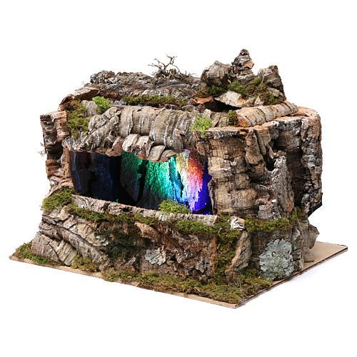 Grotta con torrente e gioco di luci 30X30X20 cm per figure 10-13 cm 2