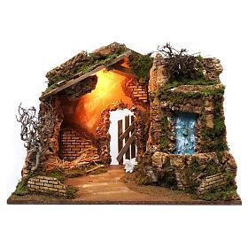 Cabane avec cascade électrique avec pompe et lumière pour crèche 45x60x35 cm s1