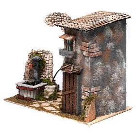 Maison rustique et fontaine avec pompe pour crèche 25x35x20 cm s2