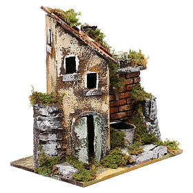 Fontaine avec pompe et maison pour crèche 25x20x15 cm s3