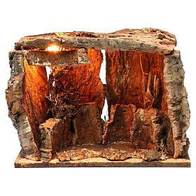 Portales, cabañas y cuevas: Cabaña para belén con luz y árbol, dimensiones 25x30x20 cm