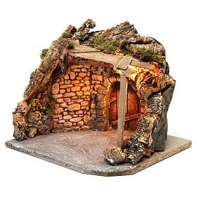 Ambientación iluminada con cobertizo madera y corcho 25x30x25 cm belén napolitano s2
