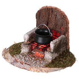 Pentola su fuoco con illuminazione elettrica 6x8x6 cm per presepi di 8-10 cm s2