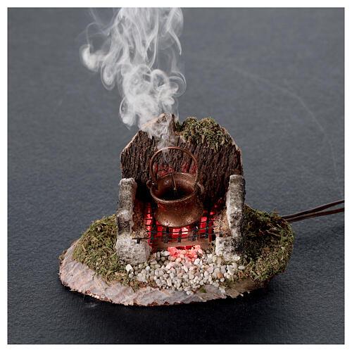 Pentola su fuoco con luce e generatore di fumo 6x8x6 cm per presepe 8 cm 2