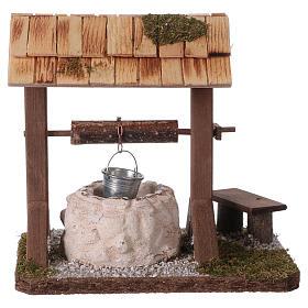 Pozzo con tetto in legno per presepe 12-15 cm s1