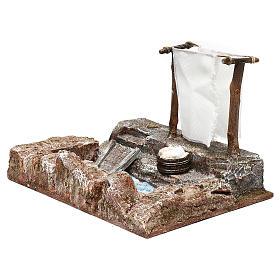 Lavanderia con panni presepe 12 cm ambientazione 15x25x15 cm s3