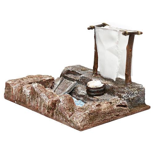 Lavanderia con panni presepe 12 cm ambientazione 15x25x15 cm 3