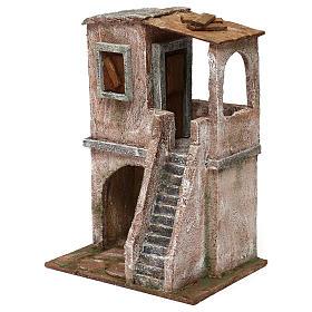 Casetta disposta su 2 piani comunicanti di 30x20x15 cm per presepe 10 cm s2