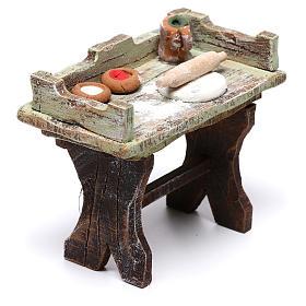 Mesa de quien hace la pizza 5x5x5 cm para belén de 10 cm s2