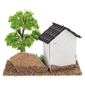 Casita con árbol 10x15x10 cm ambiente belén 3-4 cm s5