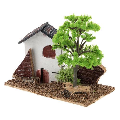 Casita con árbol 10x15x10 cm ambiente belén 3-4 cm 3