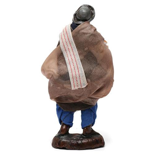 Homme avec pain pour crèche napolitaine de 8 cm 3