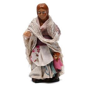 Bambina con bambola per presepe napoletano di 8 cm s1