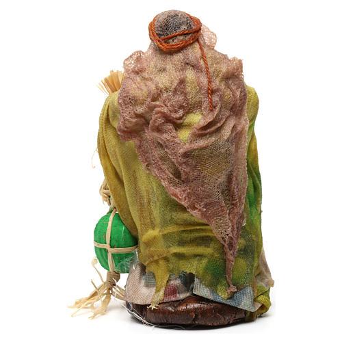 Donna con angurie per presepe napoletano di 8 cm 3